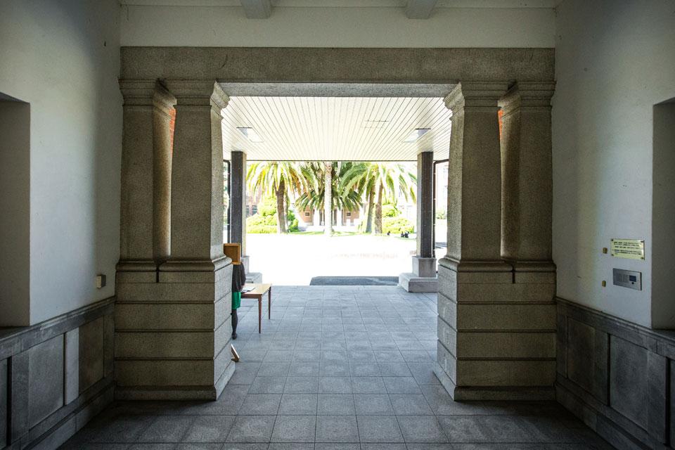 第一庁舎-入口
