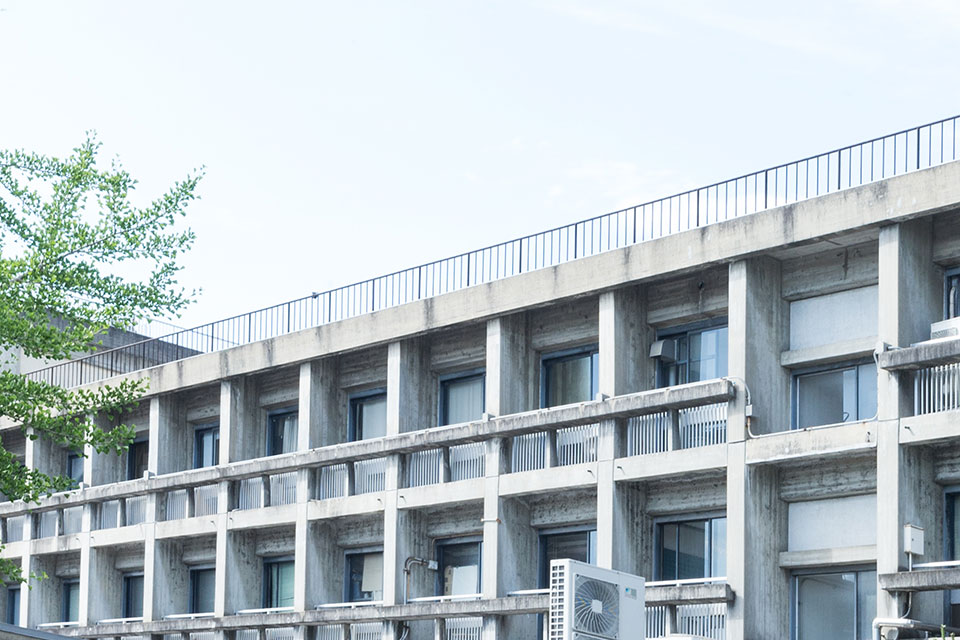 建築学部教室-外観2