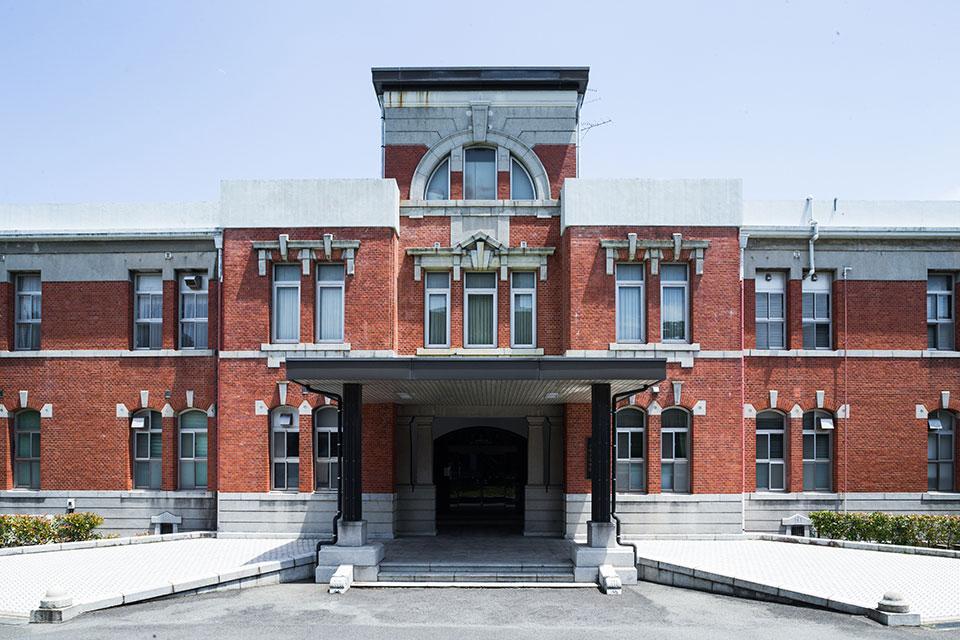 第一庁舎-正面